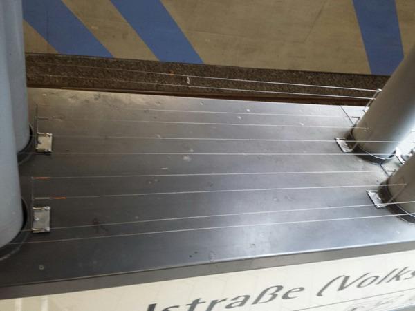 RESTPOSTEN VESPA 2er Pin auf Platte mit Unterflugschutz mit Pinstärke 5 mm